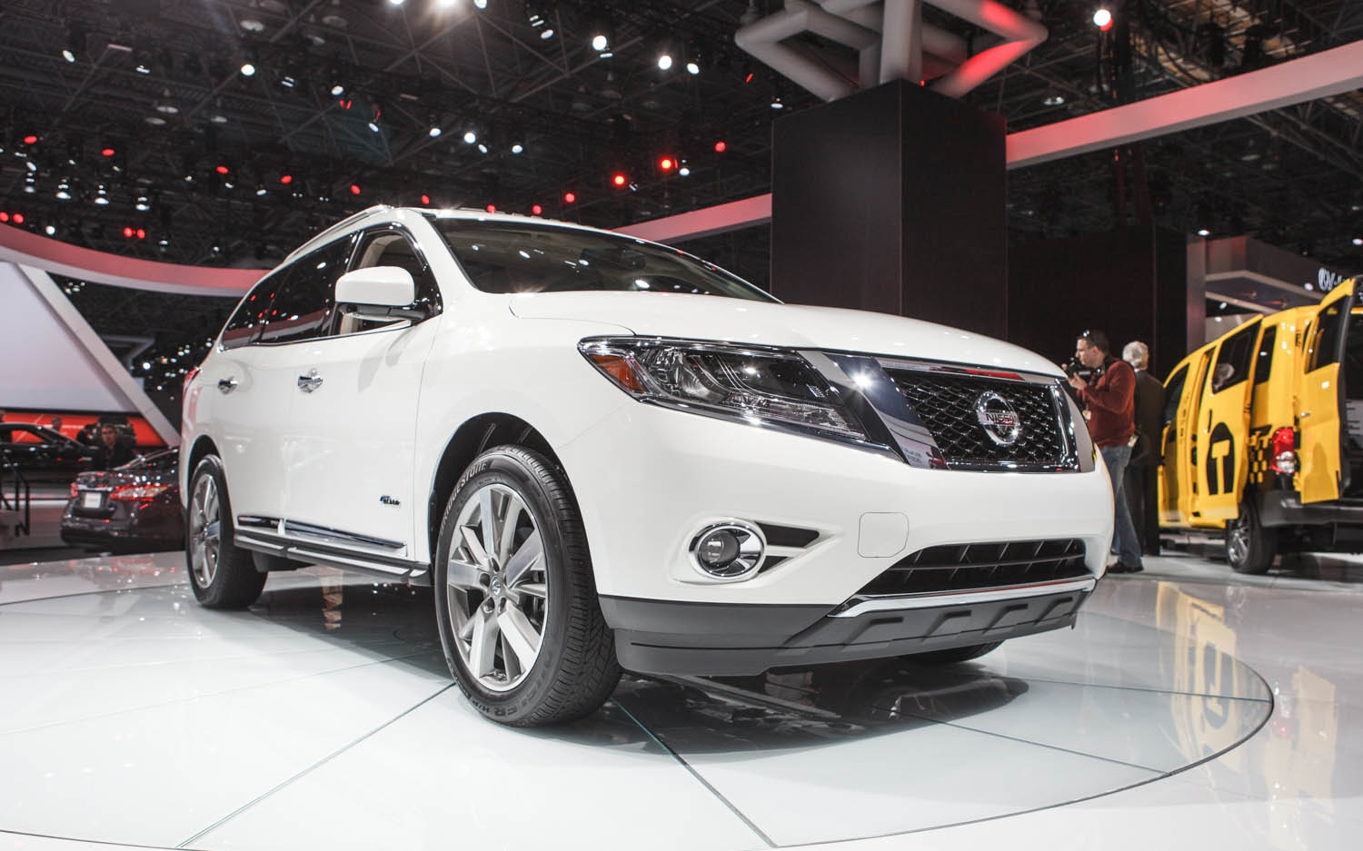 New york 2013 2014 nissan pathfinder hybrid is more efficient show more vanachro Image collections