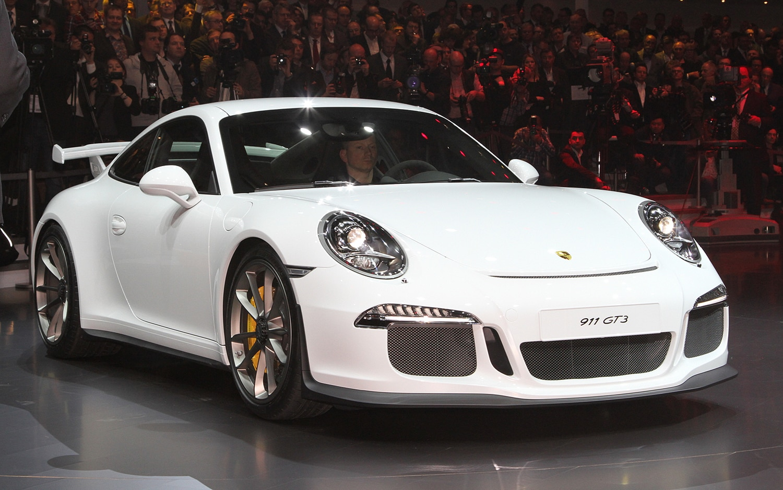 2014 Porsche 911 GT3 Front1