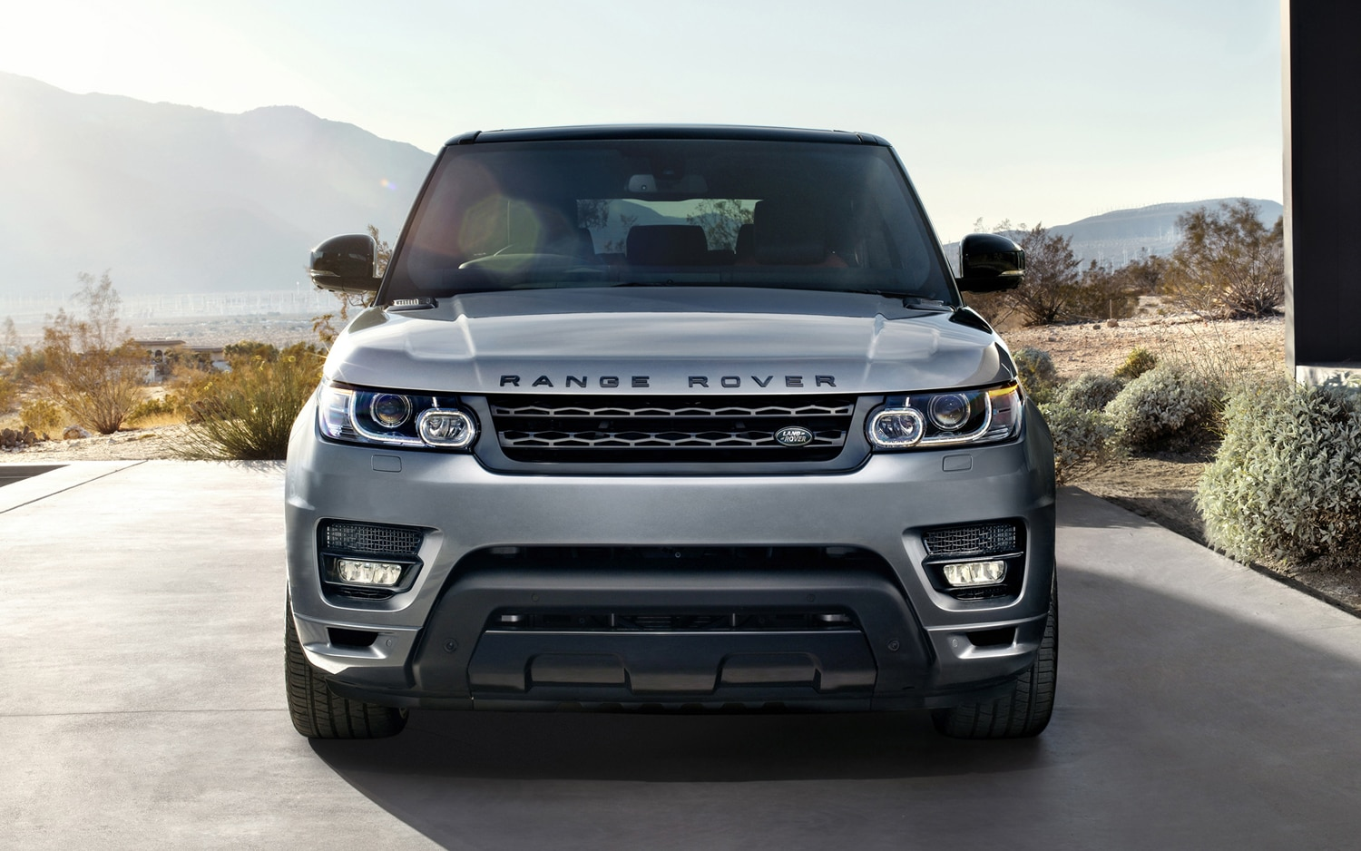 2014 land rover range rover sport first look automobile magazine. Black Bedroom Furniture Sets. Home Design Ideas