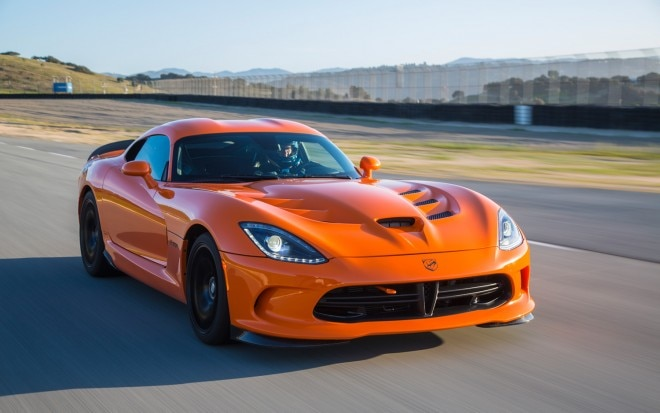 2014 SRT Viper TA Front Three Quarters In Motion 31 660x413