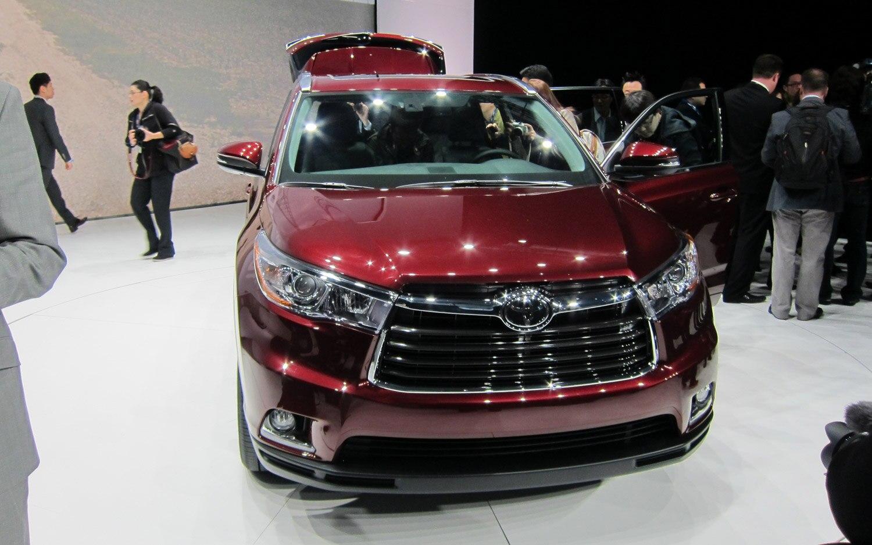 2014 Toyota Highlander Front 21