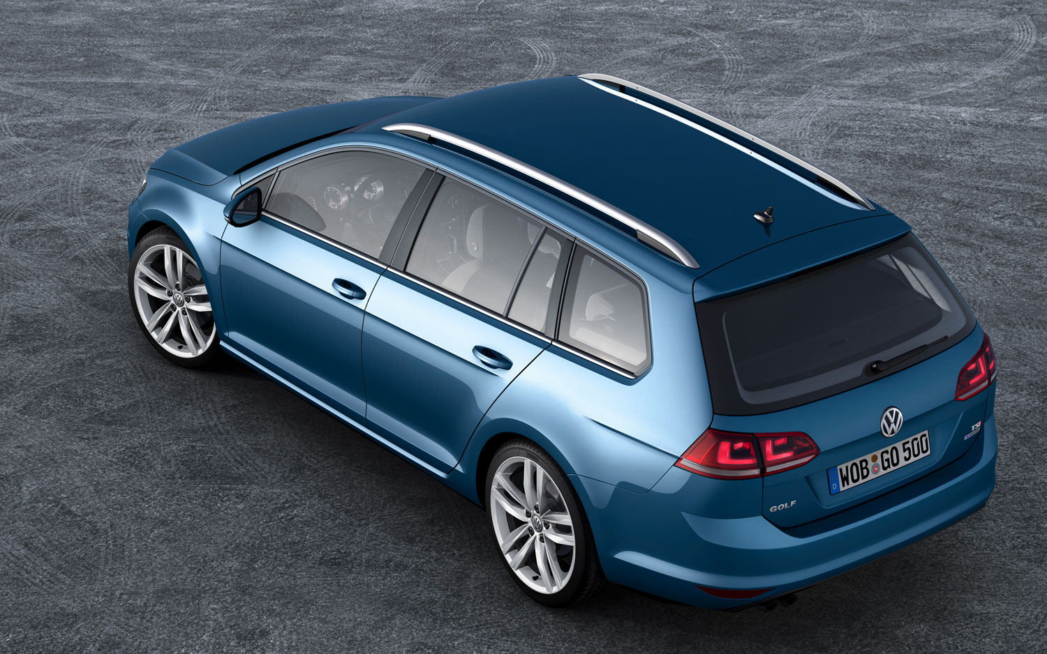 2014 Volkswagen Golf Variant Wagon Top View1