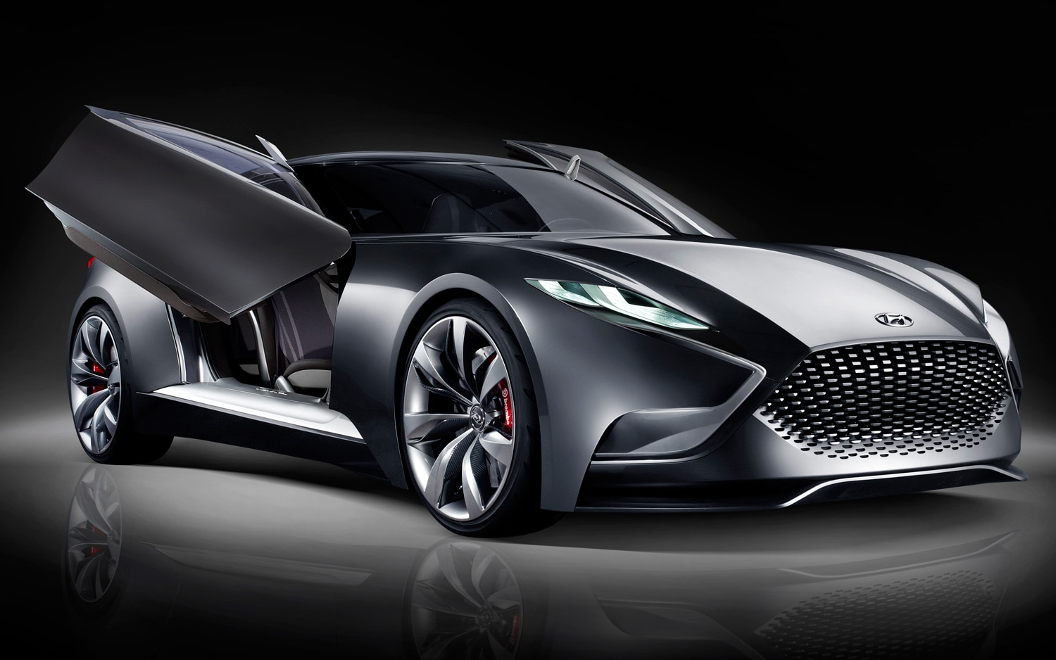 Hyundai HND 9 Coupe Concept Front Three Quarters View Doors Open1