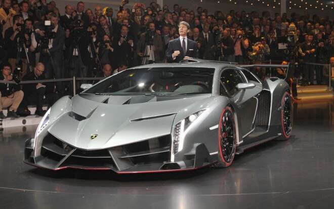 Lamborghini Veneno Front Three Quarters1 660x413