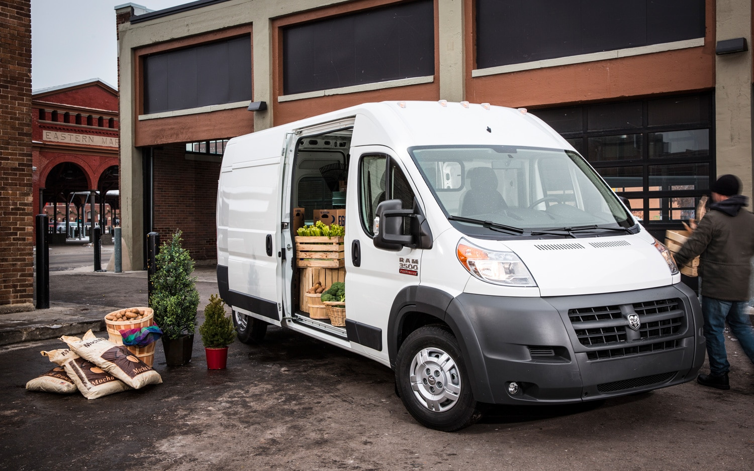 2014 ram promaster cargo van reports for duty with 29 625 base price. Black Bedroom Furniture Sets. Home Design Ideas