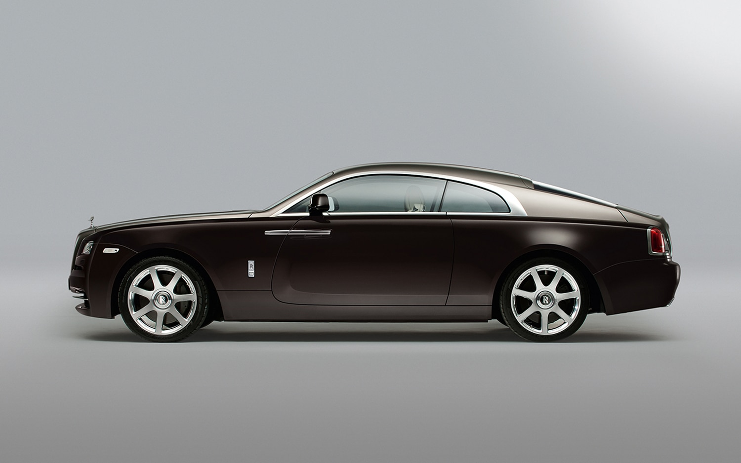 first look 2014 rolls royce wraith automobile magazine. Black Bedroom Furniture Sets. Home Design Ideas