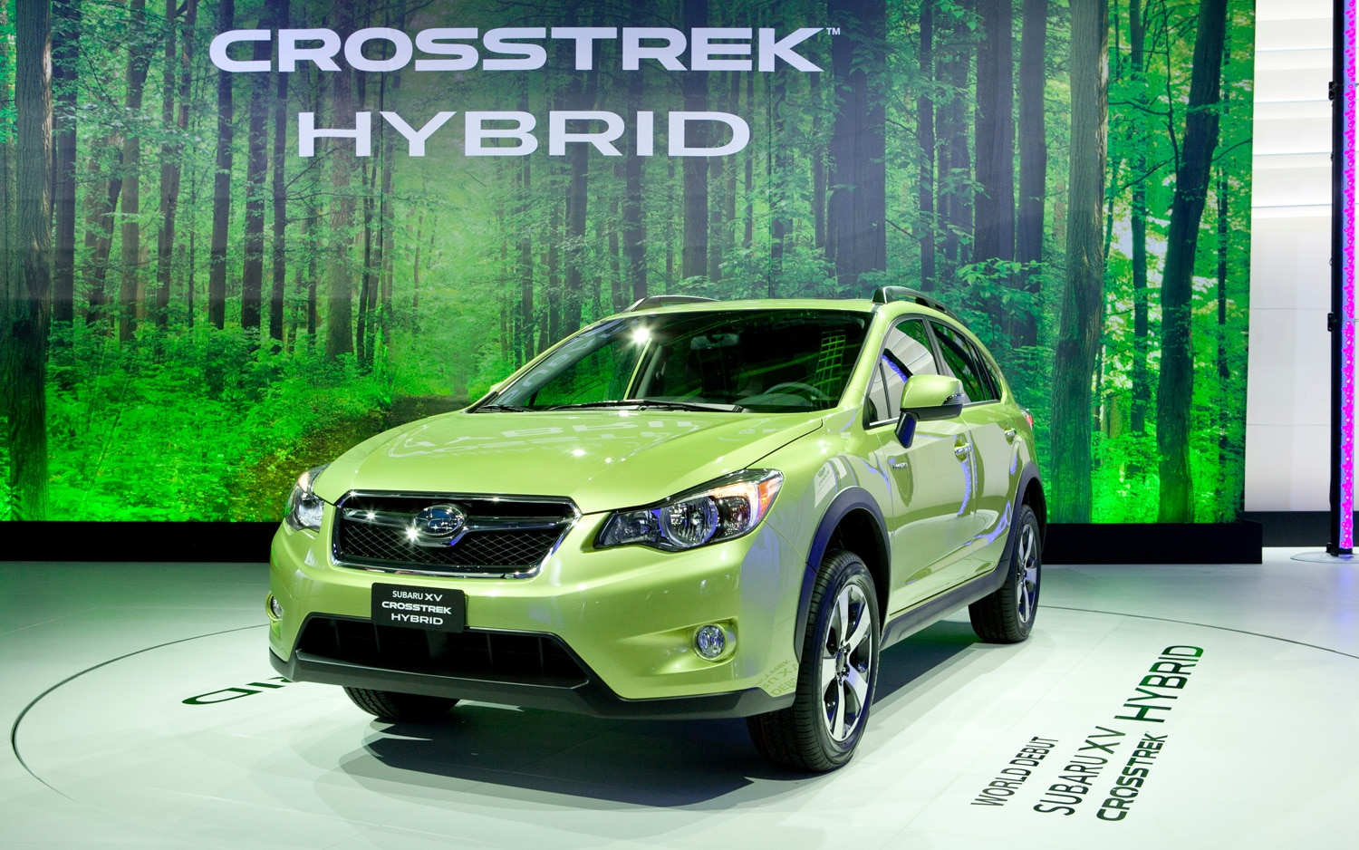Subaru XV Crosstrek Hybrid Front Three Quarter1
