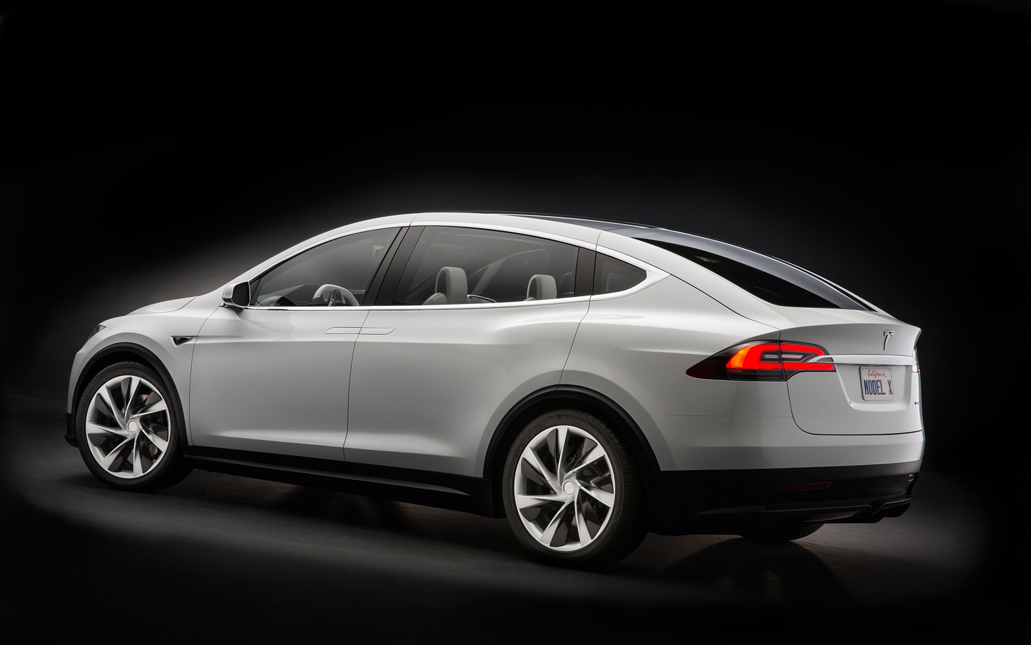 tesla model x delayed until late 2014. Black Bedroom Furniture Sets. Home Design Ideas