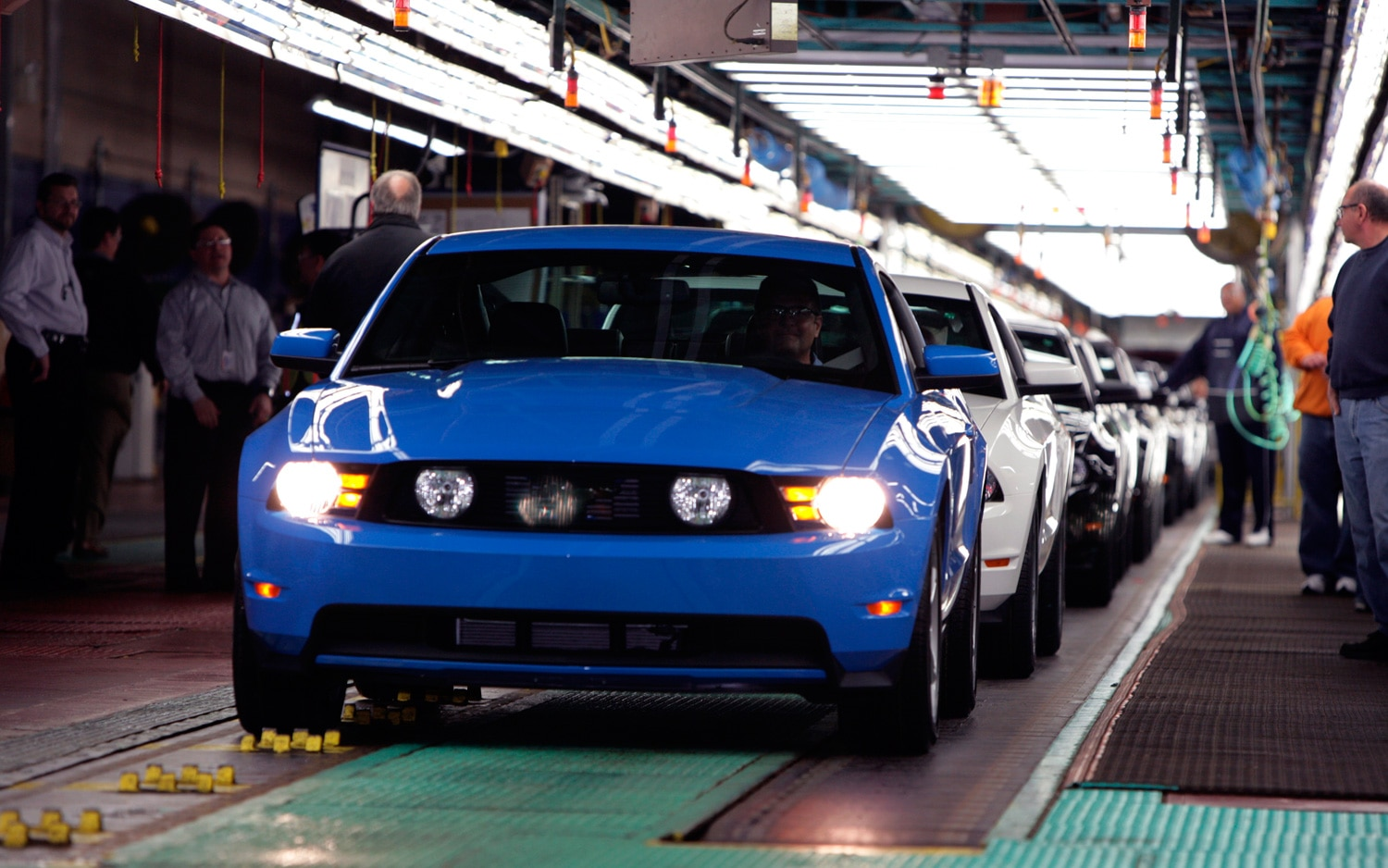 2010 Ford Mustang Assembly Line1