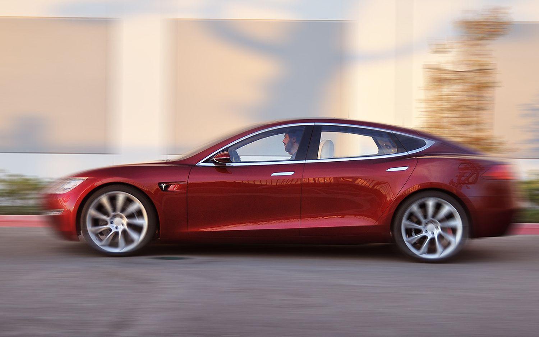 2012 Tesla Model S Side11