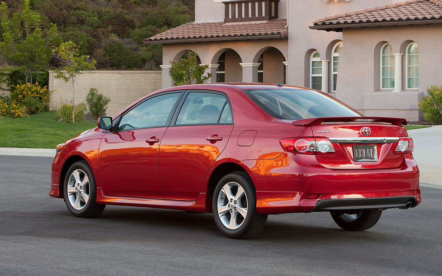 2012 Toyota Corolla Rear Three Quarter View1