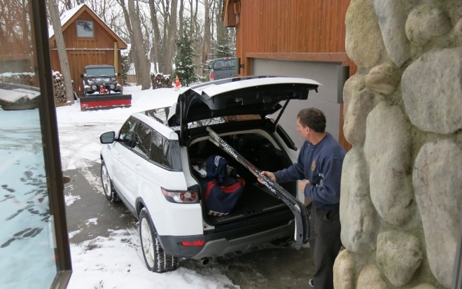 2012 Land Rover Range Rover Evoque With Hockey Gear
