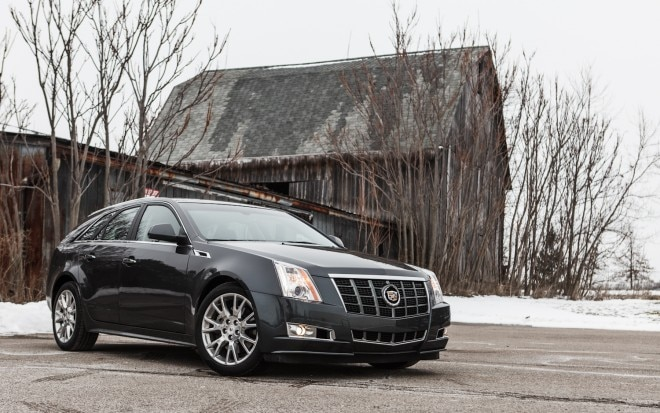 2013 Cadillac CTS Sport Wagon Front Right View 21 660x413