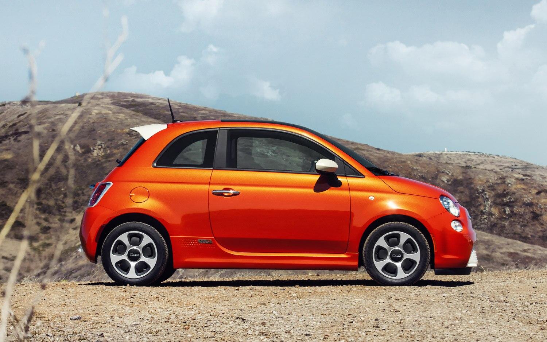 2013 Fiat 500e Profile1