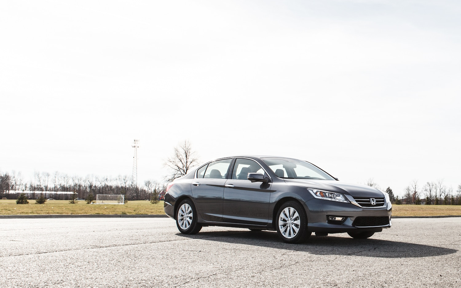 2013 Honda Accord Touring Front Right View 31
