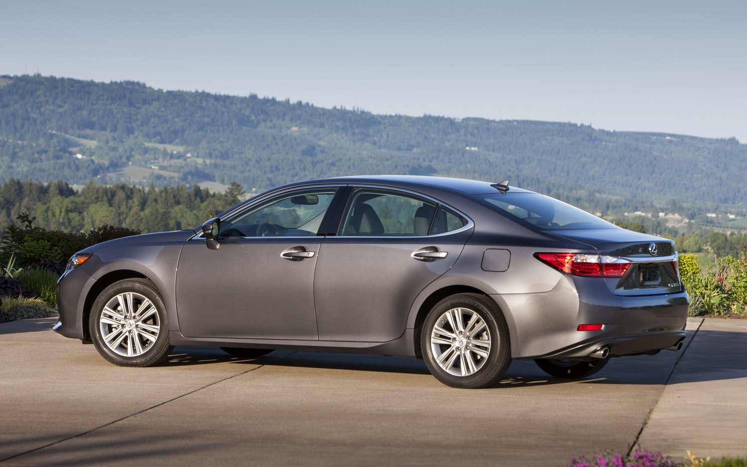 toyota to build lexus es350 in kentucky from 2015. Black Bedroom Furniture Sets. Home Design Ideas