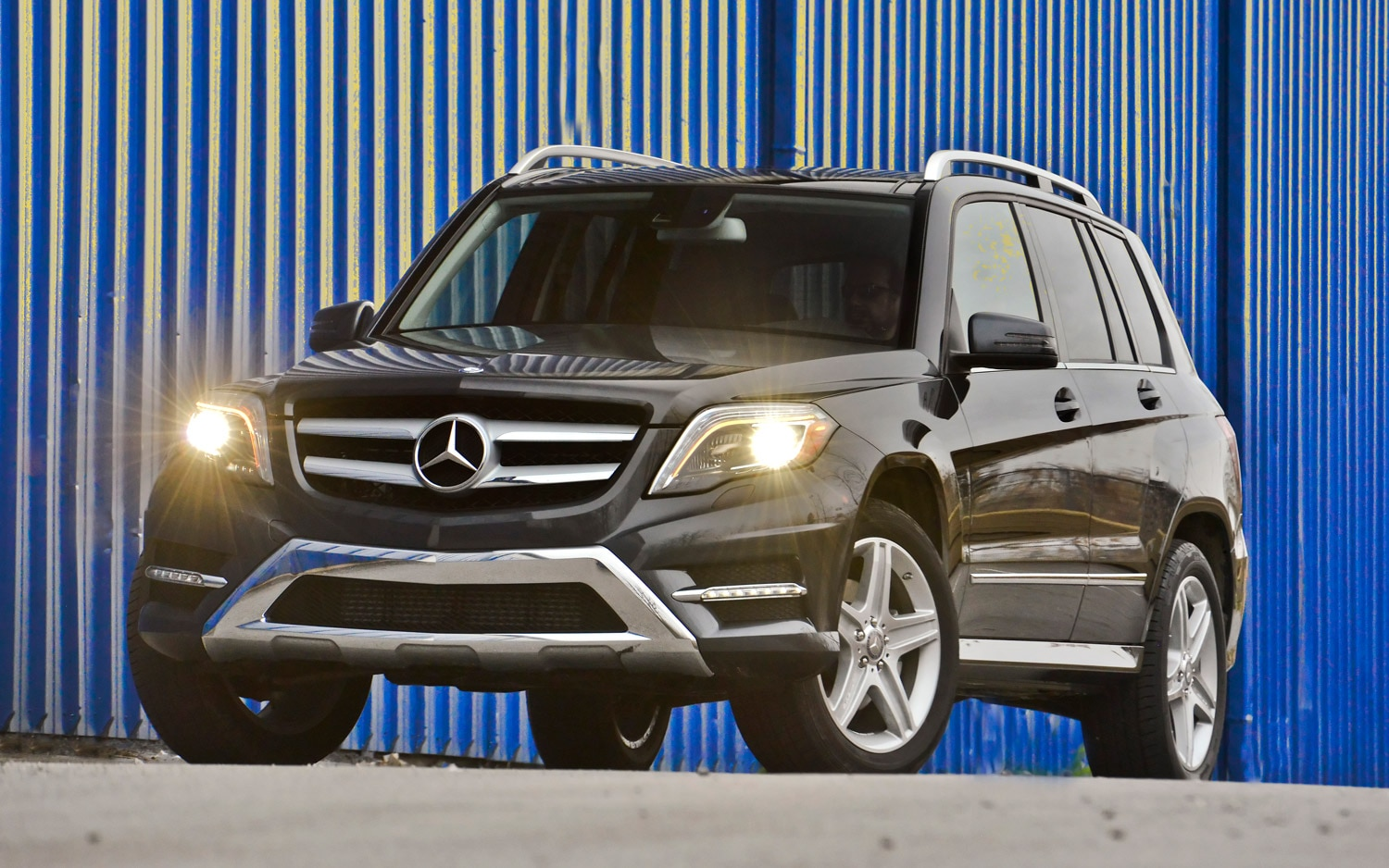 2013 Mercedes Benz GLK250 BlueTEC Front Three Quarter1