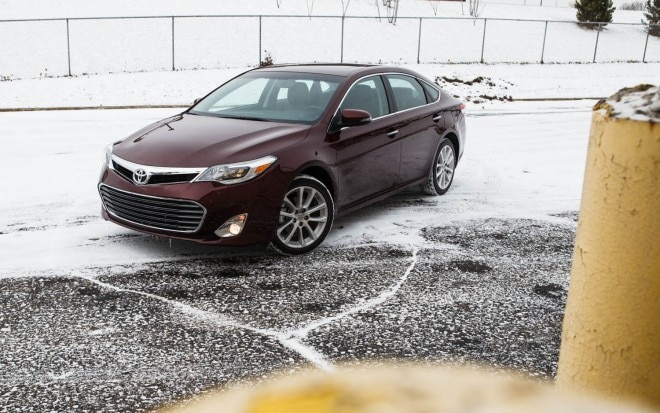 2013 Toyota Avalon XLE Front Left Side View 31 660x413
