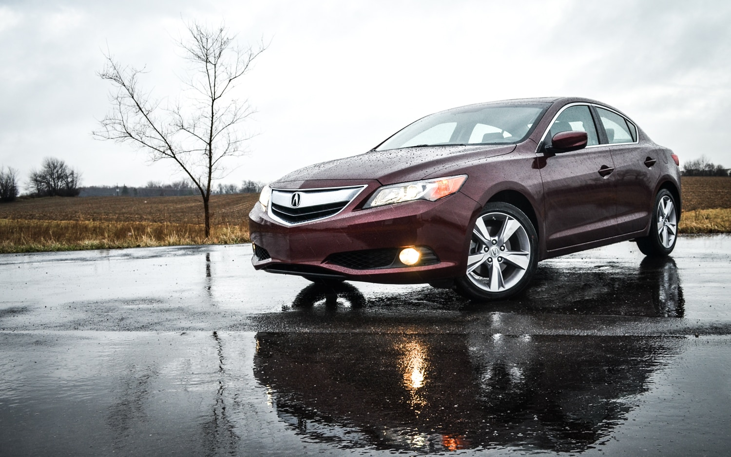 2013 Acura Ilx Front Three Quarter View1