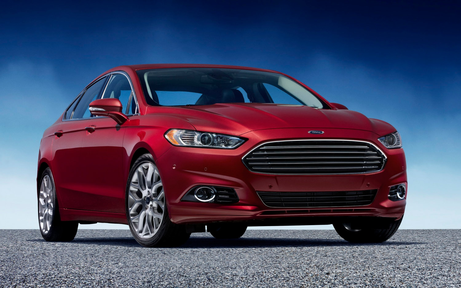 2013 Ford Fusion Red Three Quarter Front1