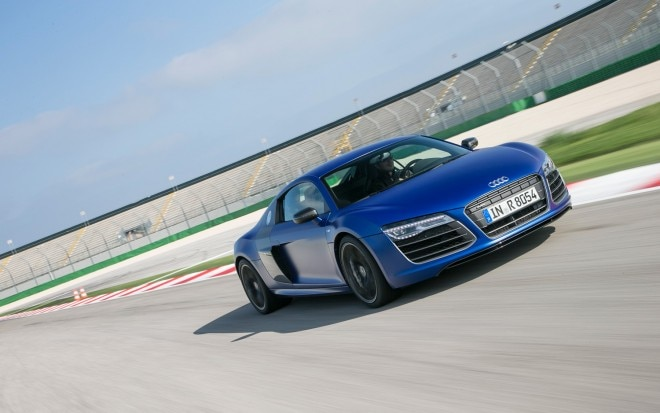 2014 Audi R8 V10 Plus Front Three Quarter 31 660x413
