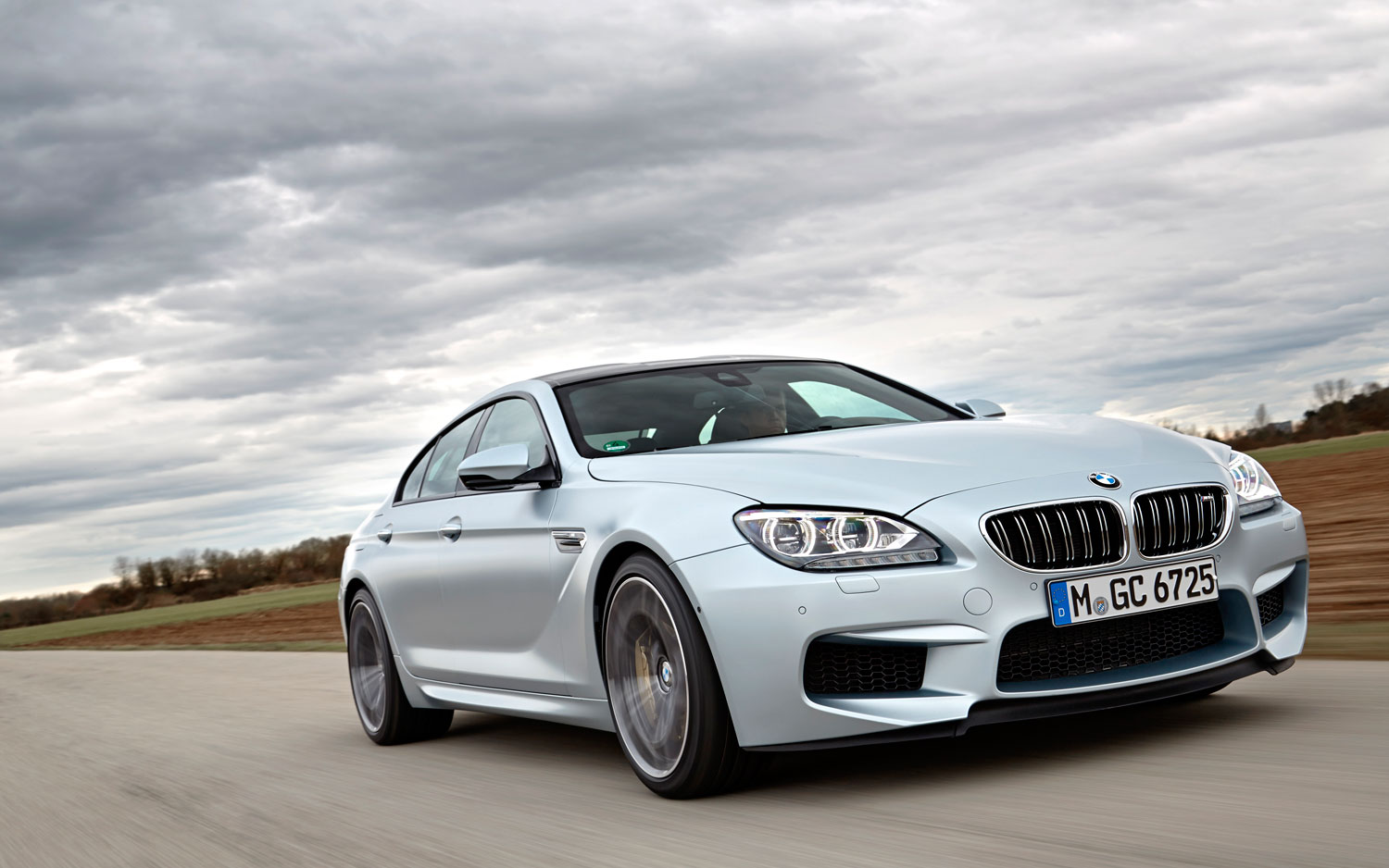 2014 BMW M6 Gran Coupe Front Right View 21