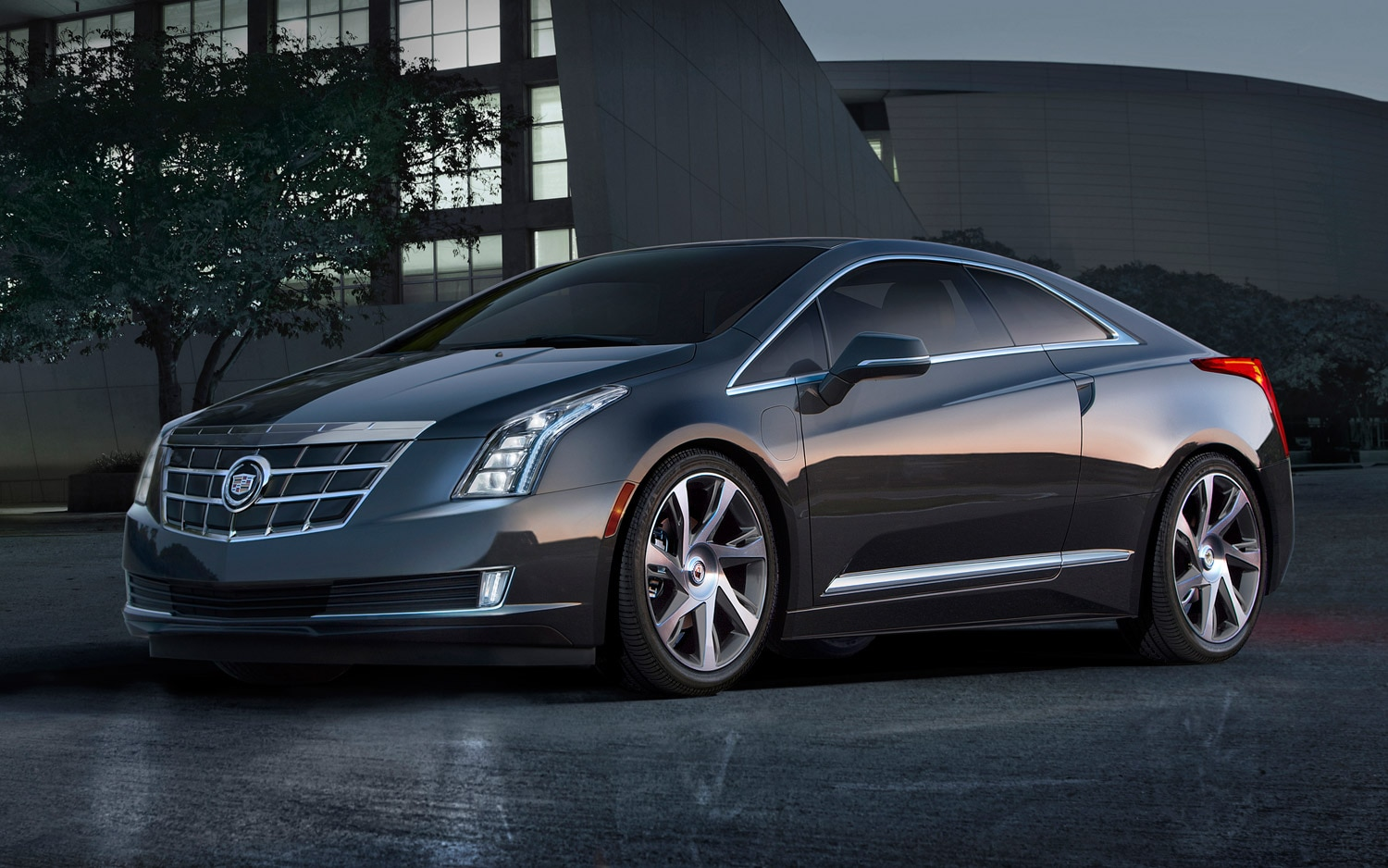 2014 Cadillac ELR Front Three Quarter1