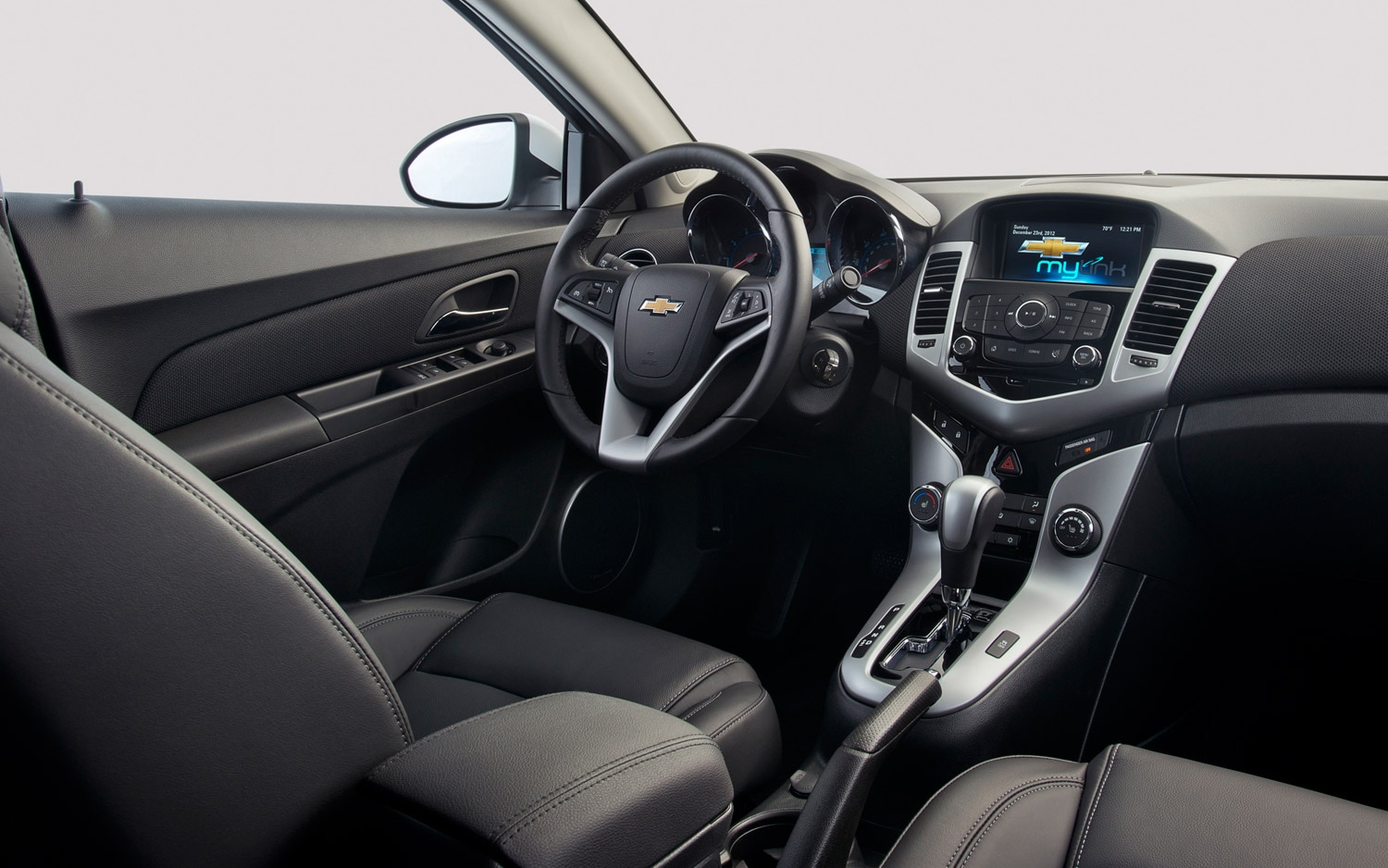 is there space in our market for chevy cruze equinox. Black Bedroom Furniture Sets. Home Design Ideas