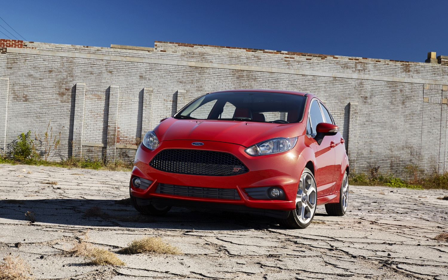 2014 Ford Fiesta ST Front Three Quarter 21