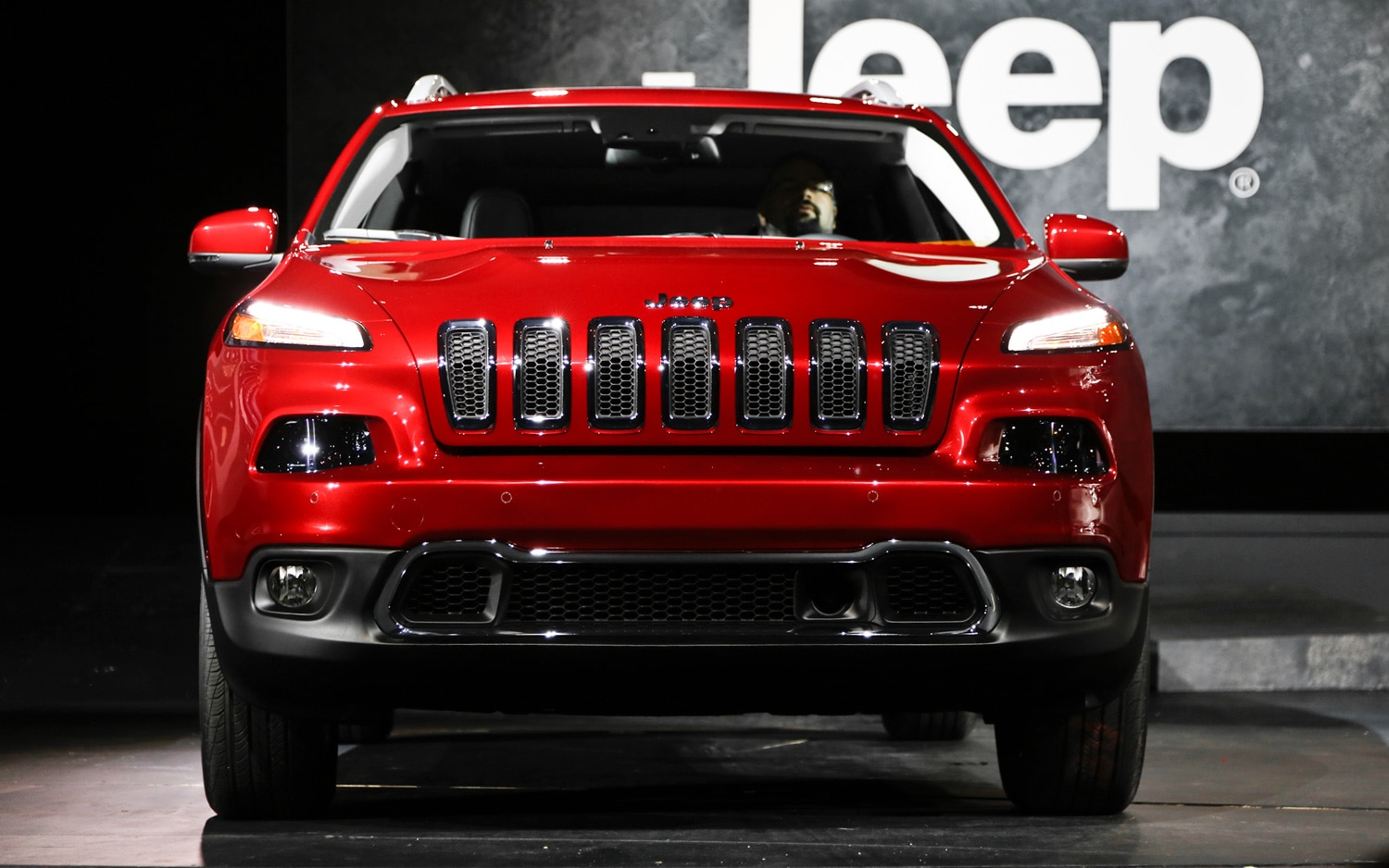 2014 Jeep Cherokee Limited Front End1