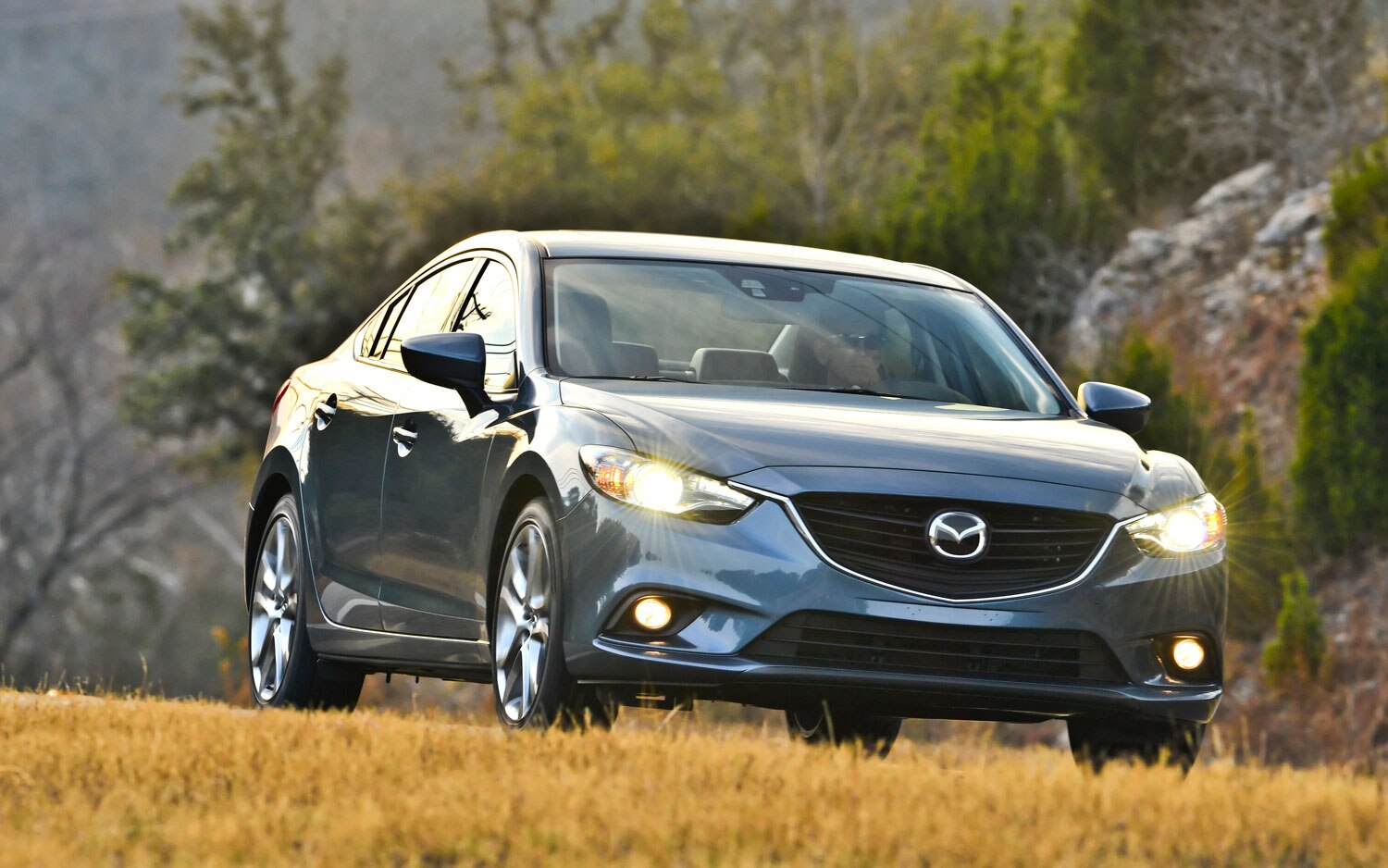 2014 Mazda6 GT Front Right View 31