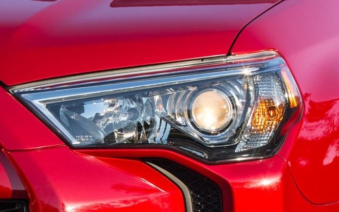 2014 Toyota 4Runner Headlight2 660x413