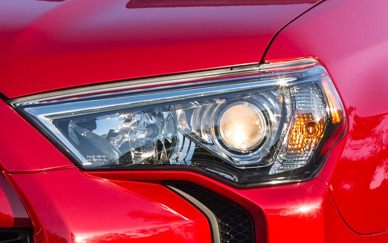 2014 Toyota 4Runner Headlight2