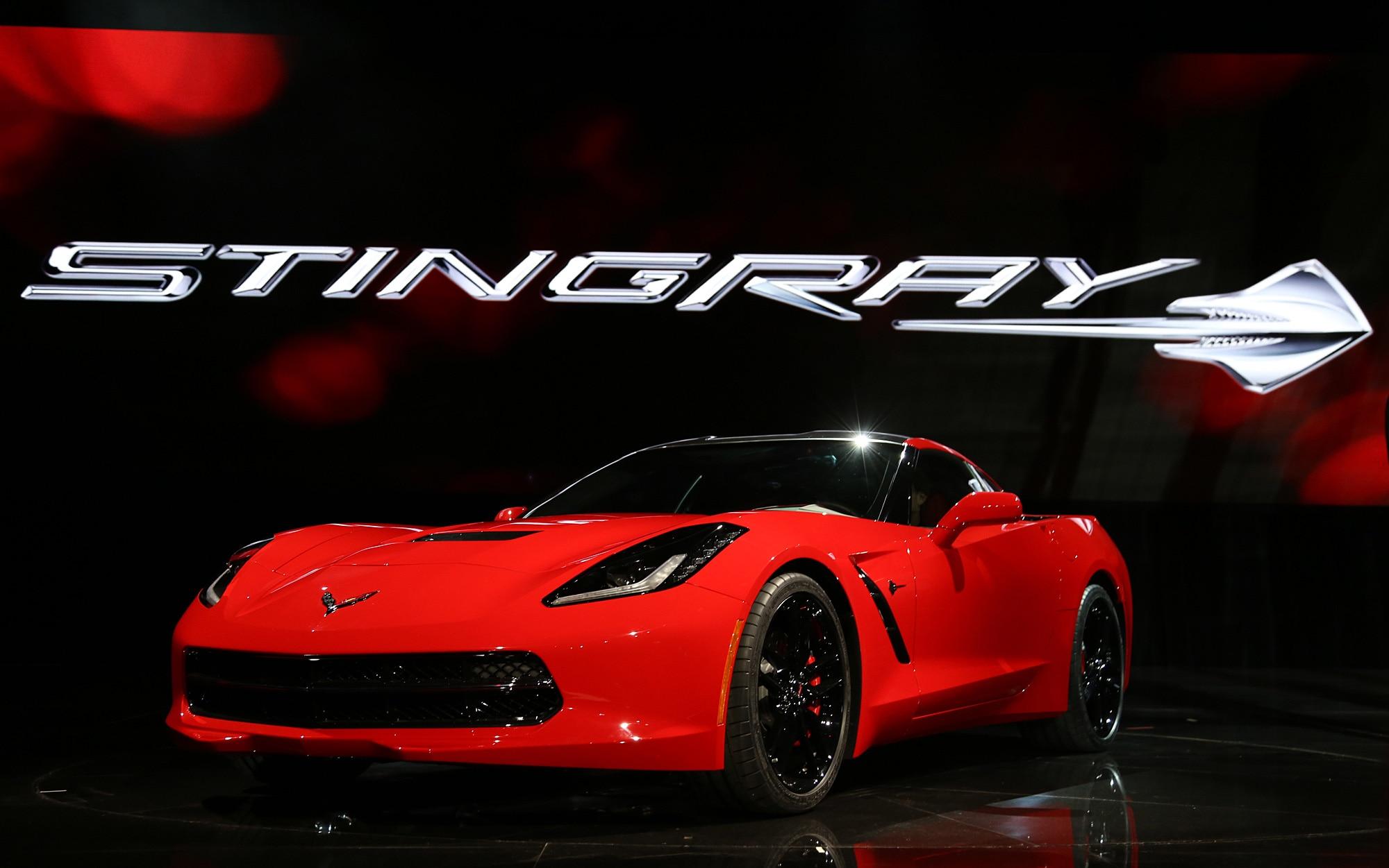 2014 Chevrolet Corvette Live Reveal Front Three Quarter1