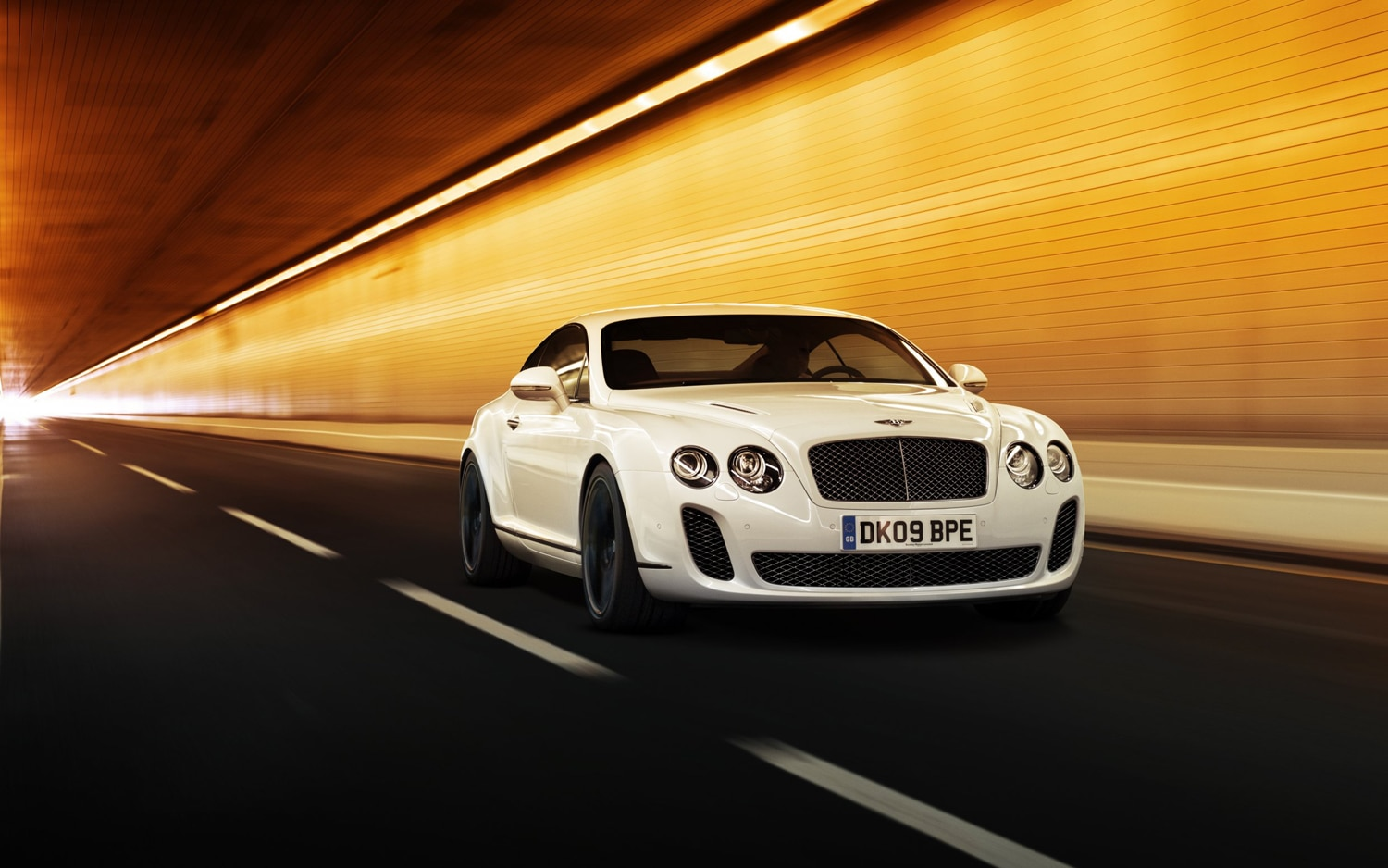 Bentley Continental GT Supersports Front Three Quarter1