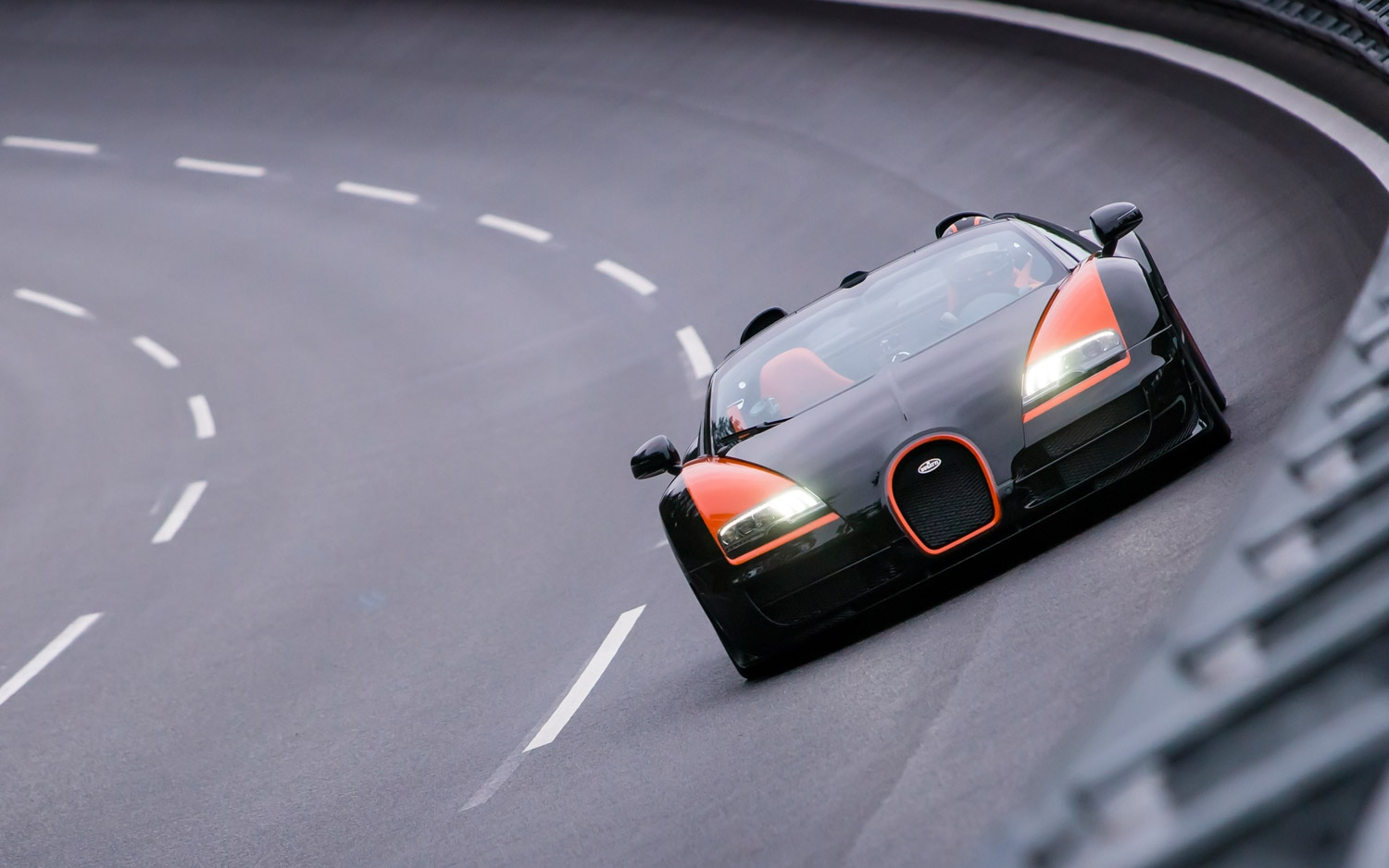 Bugatti Veyron Grand Sport Vitesse World Record Car Front 21