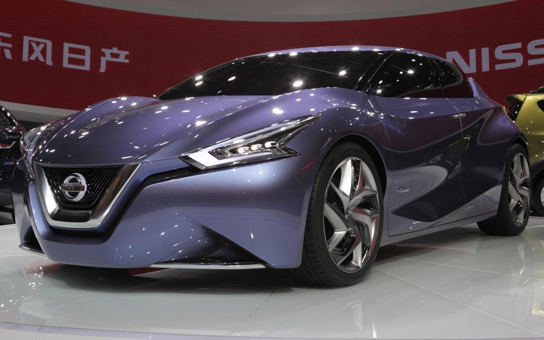 Nissan FriendME Concept Live Front Three Quarter 21