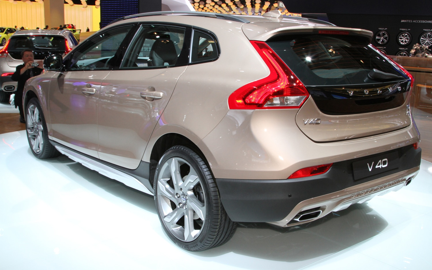 volvo working on vw golf competitor c60 coupe. Black Bedroom Furniture Sets. Home Design Ideas