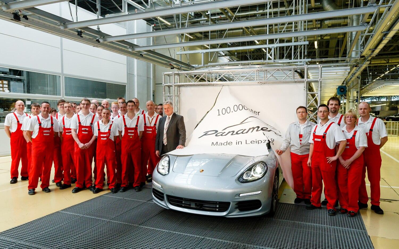 100000th Porsche Panamera1