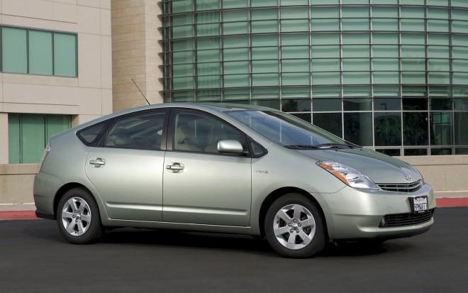2006 Toyota Prius Front Three Quarter1 660x413
