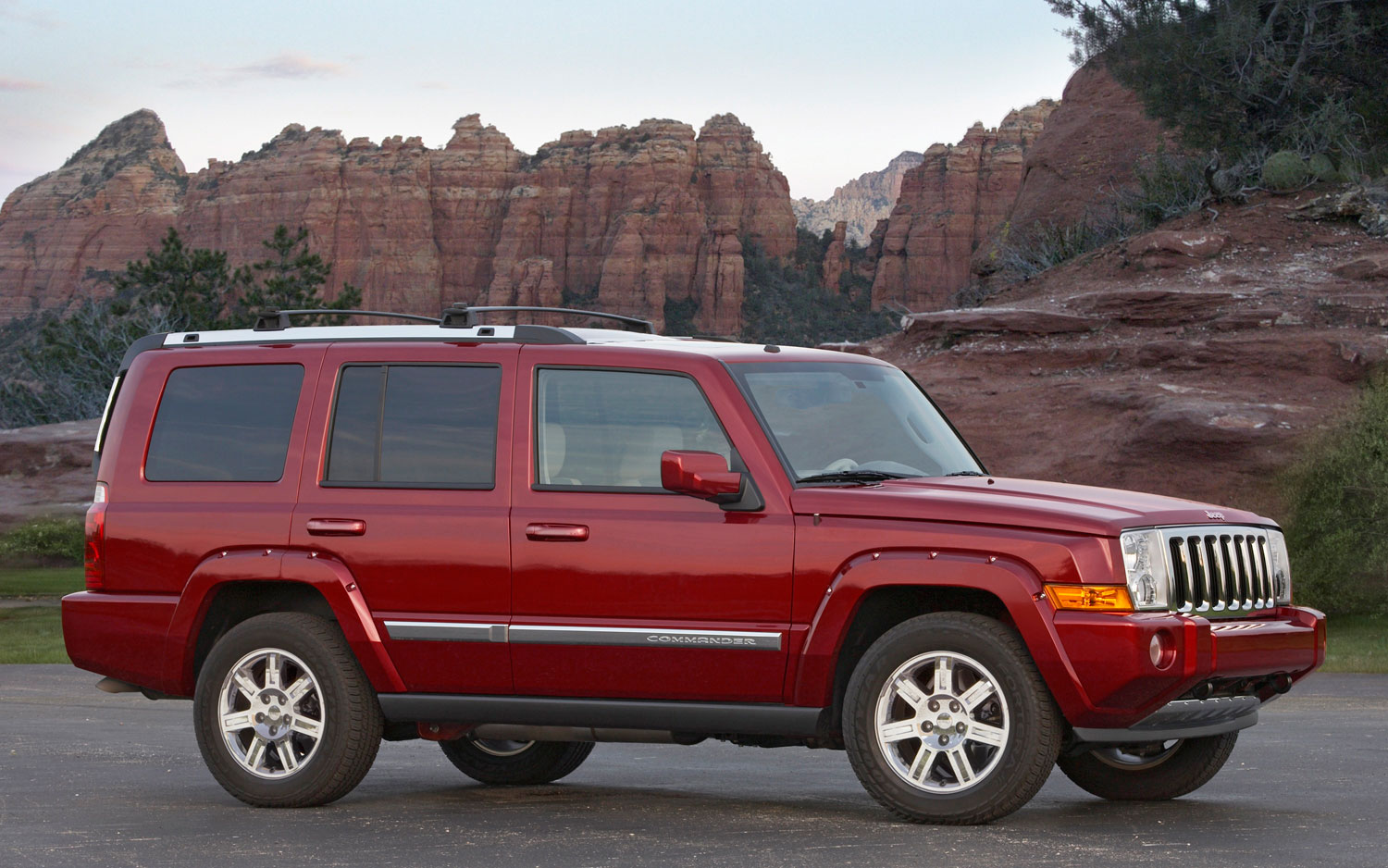 2010 Jeep Commander Right Side1