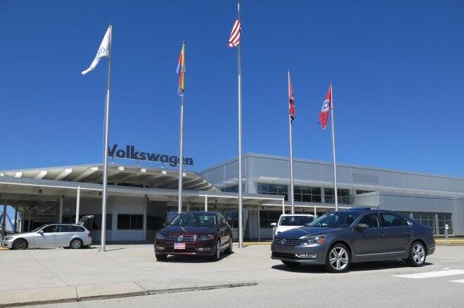 2012 Volkswagen Passat SE TDI Front Left View 11 660x438