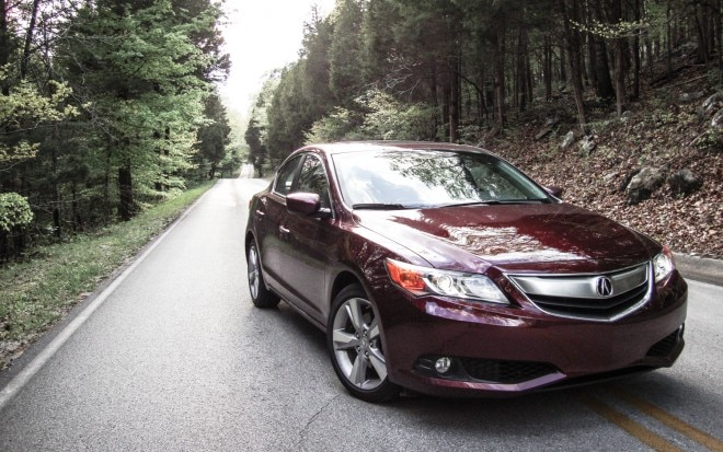 2013 Acura ILX Front Right View1 660x413