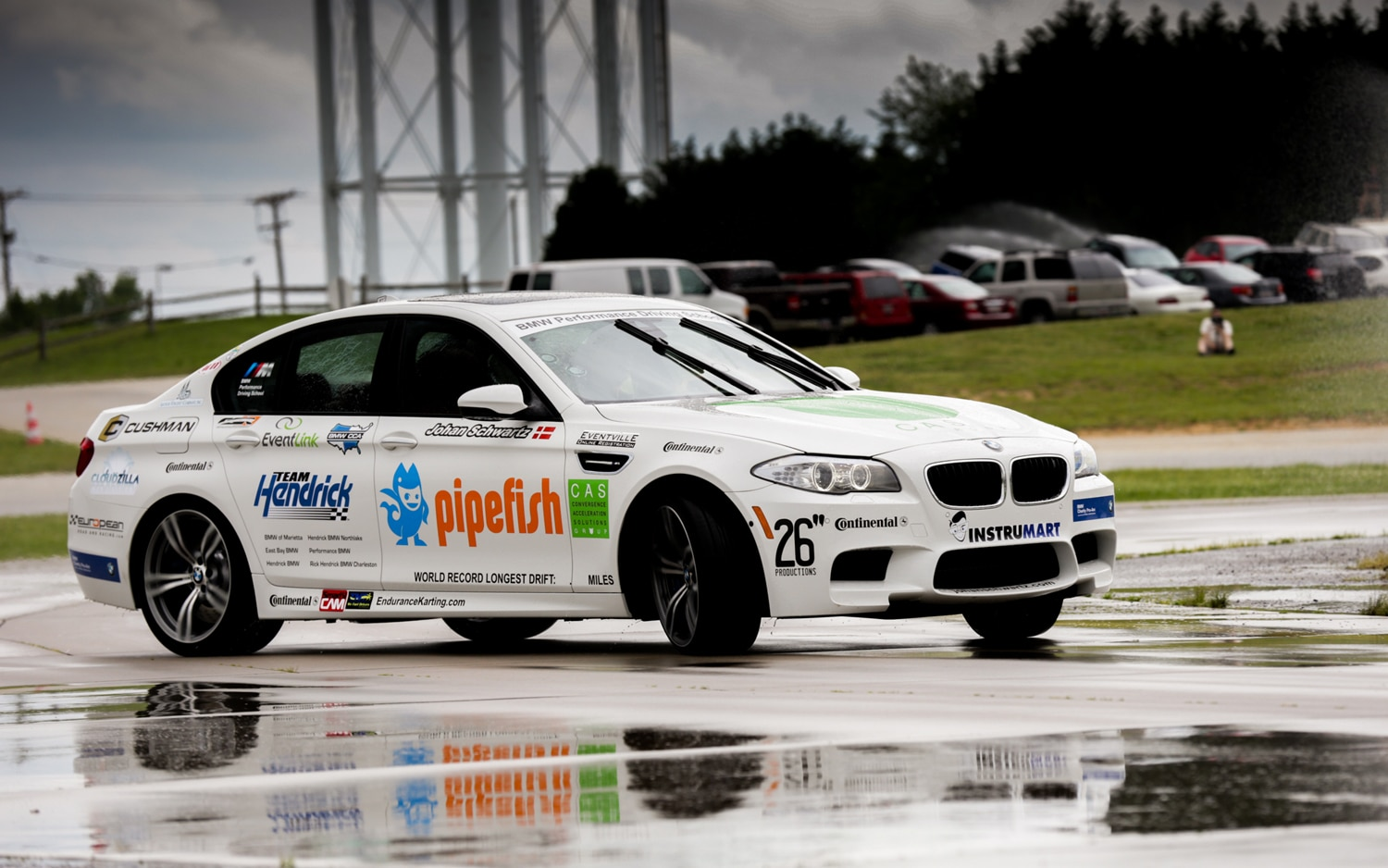 2013 BMW M5 Front Three Quarter Mid Drift1