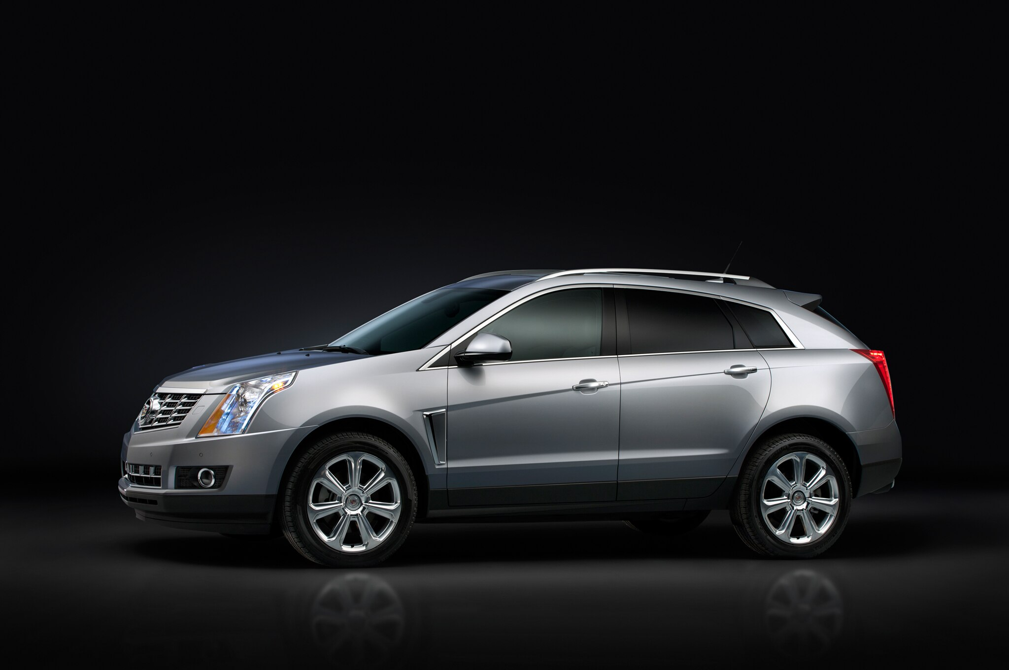 2013 Cadillac SRX Profile1