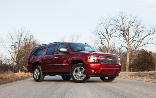 2013 Chevrolet Suburban Front Right Side View 31 660x413