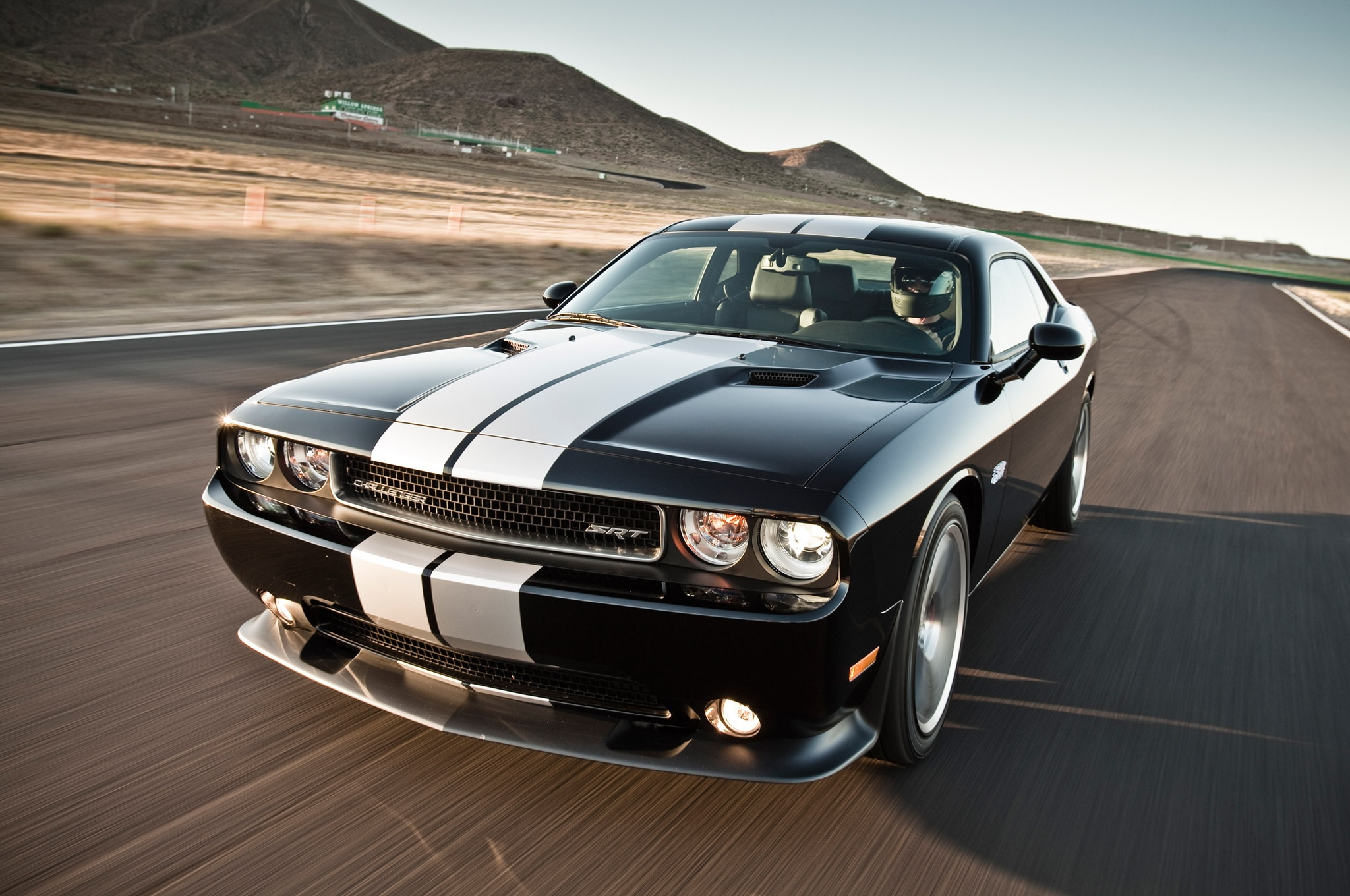 2013 Dodge Challenger SRT8 392 Front Three Quarter 21