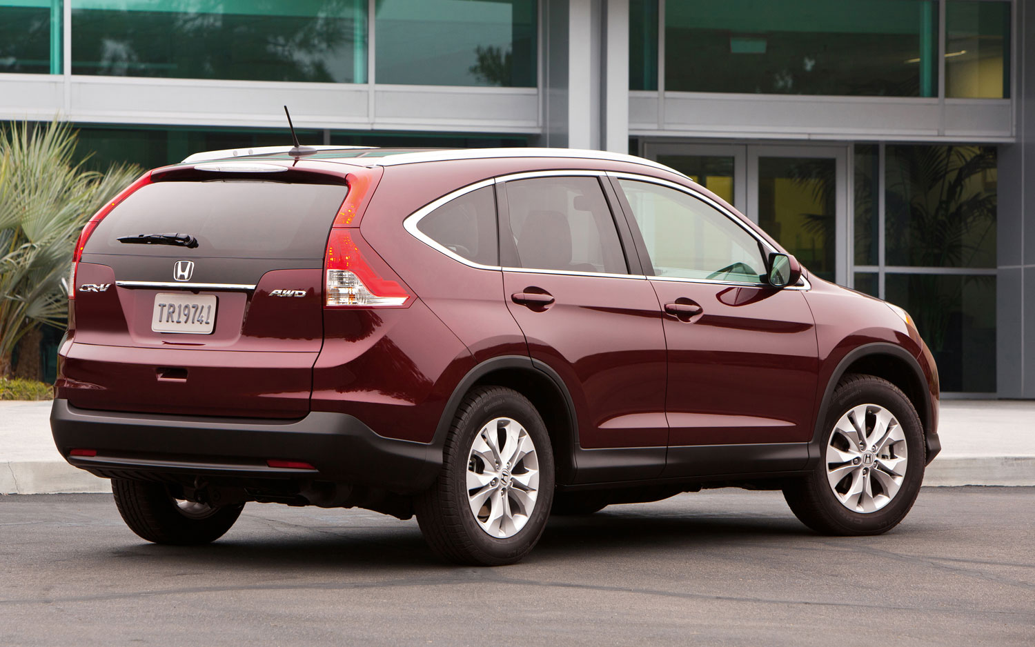 2013 Honda CR V Rear View1