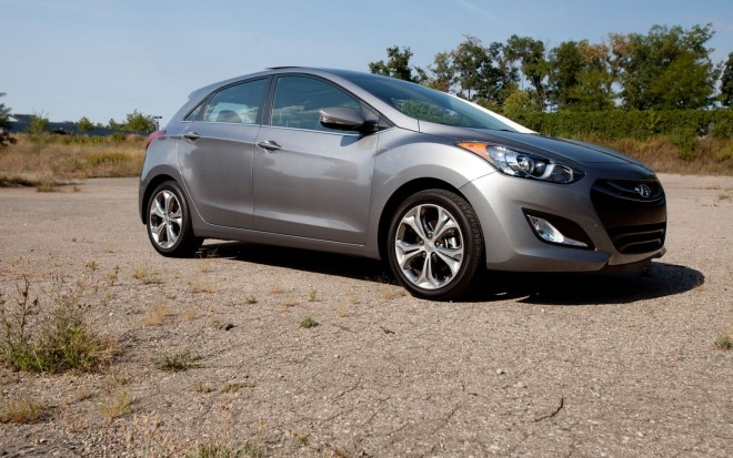 2013 Hyundai Elantra GT Front Right Side View1 660x413