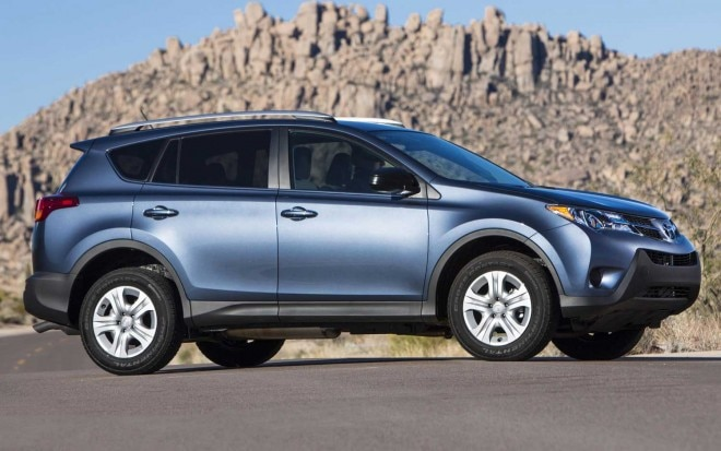 2013 Toyota RAV4 LE Side View1 660x413